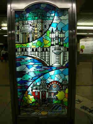 Stained_glass_kokaido_2