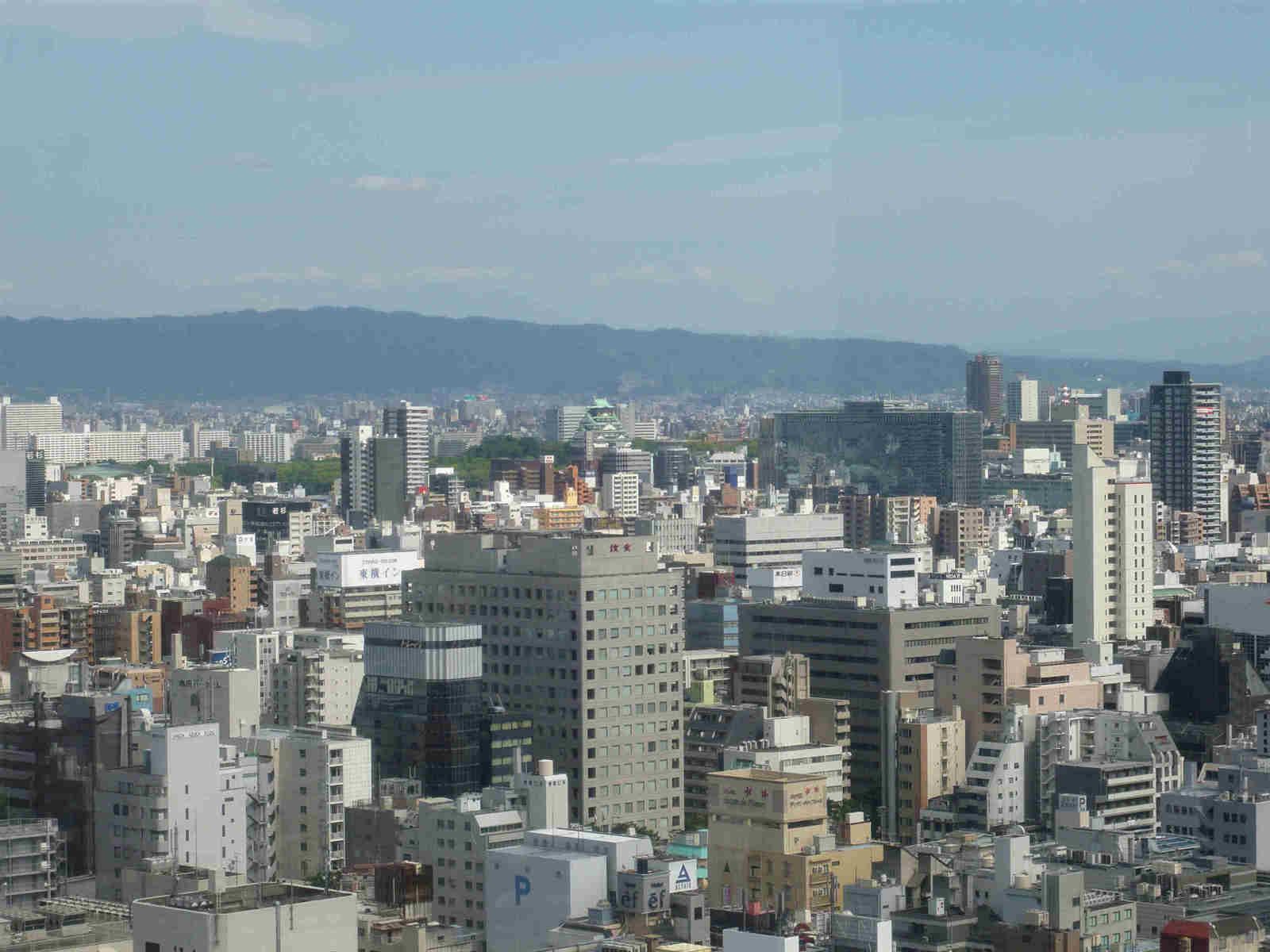 Osaka_castle_from_ferris_wheel