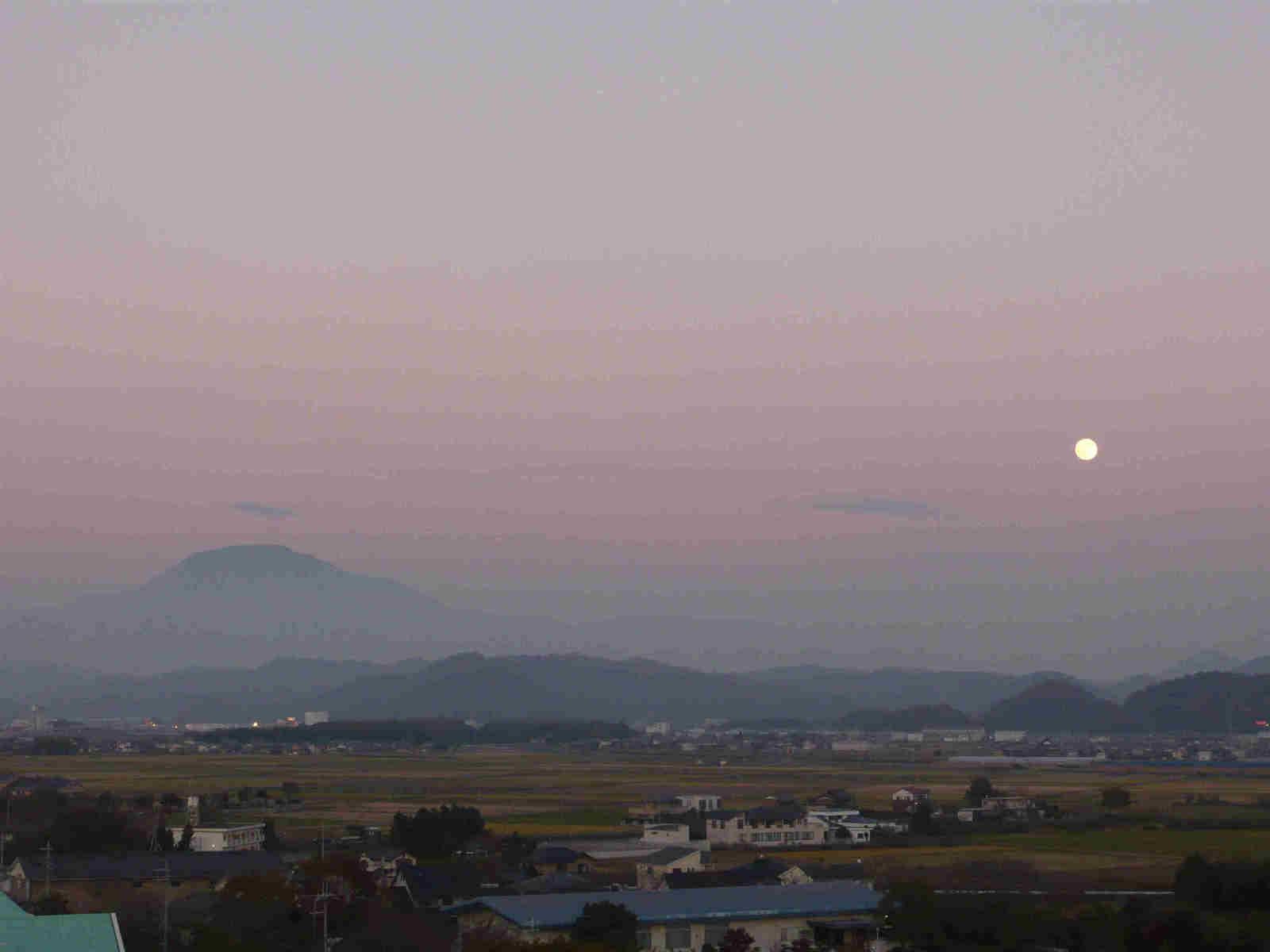 Moon_rise_2