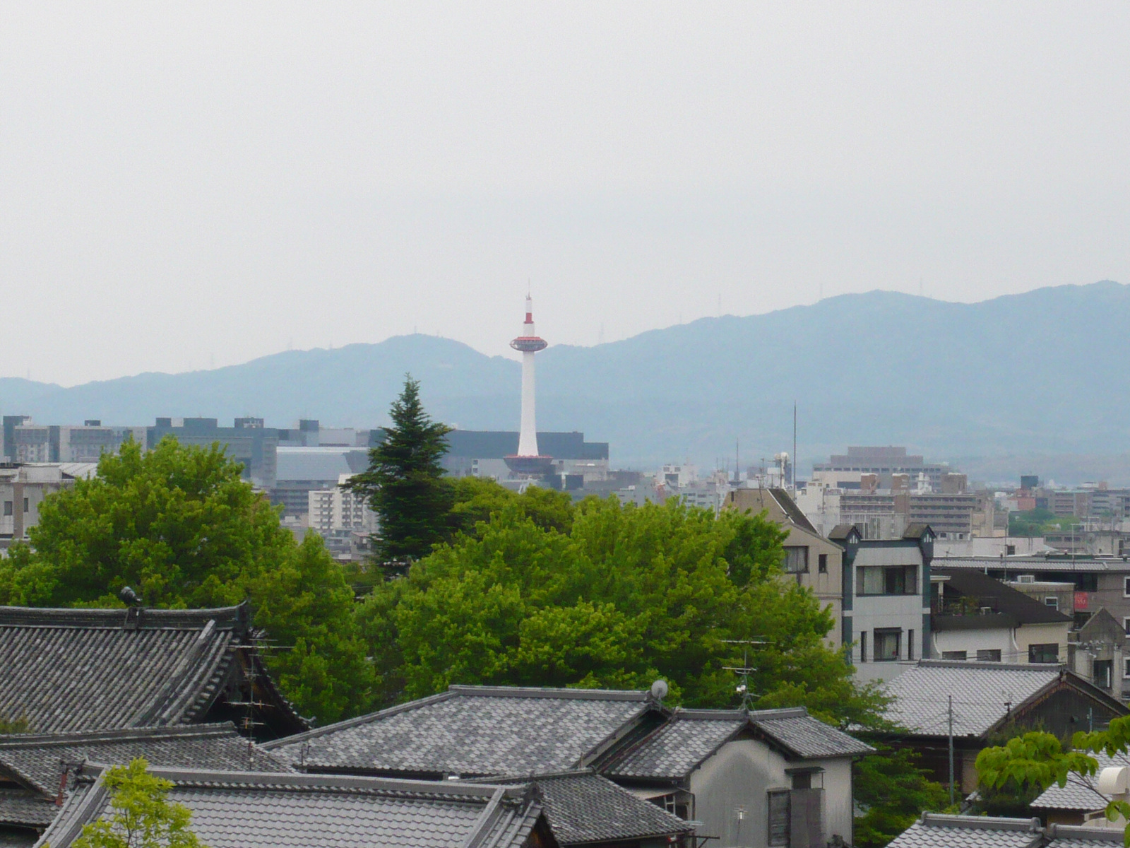 Kyoto_tower2_2