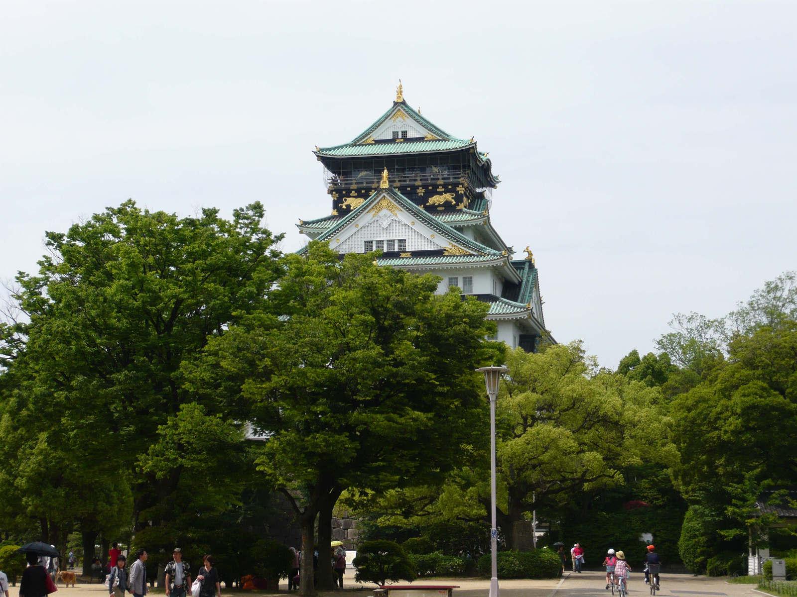 Osaka_jo_in_june