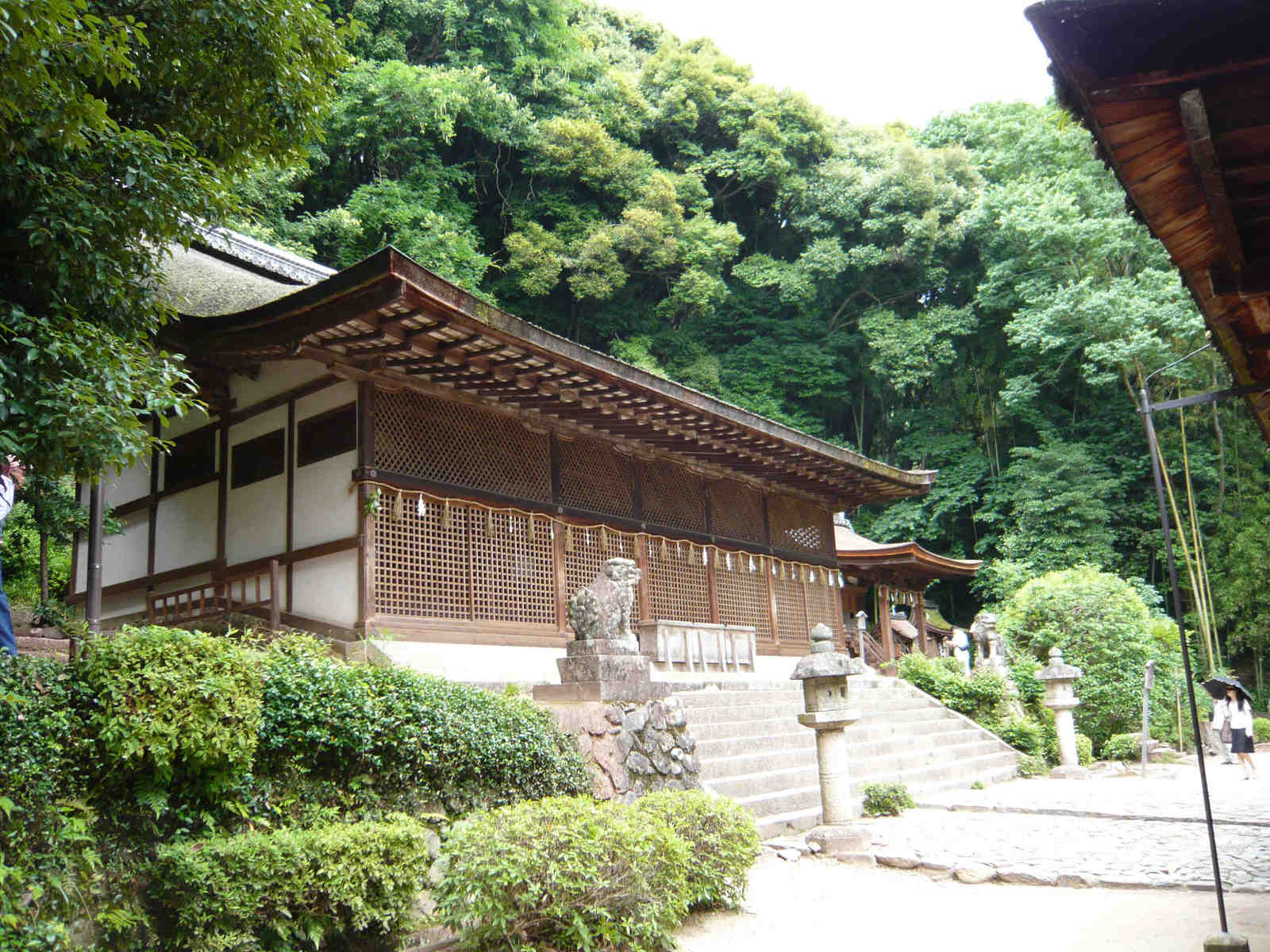 Ujigami_shrine_honden