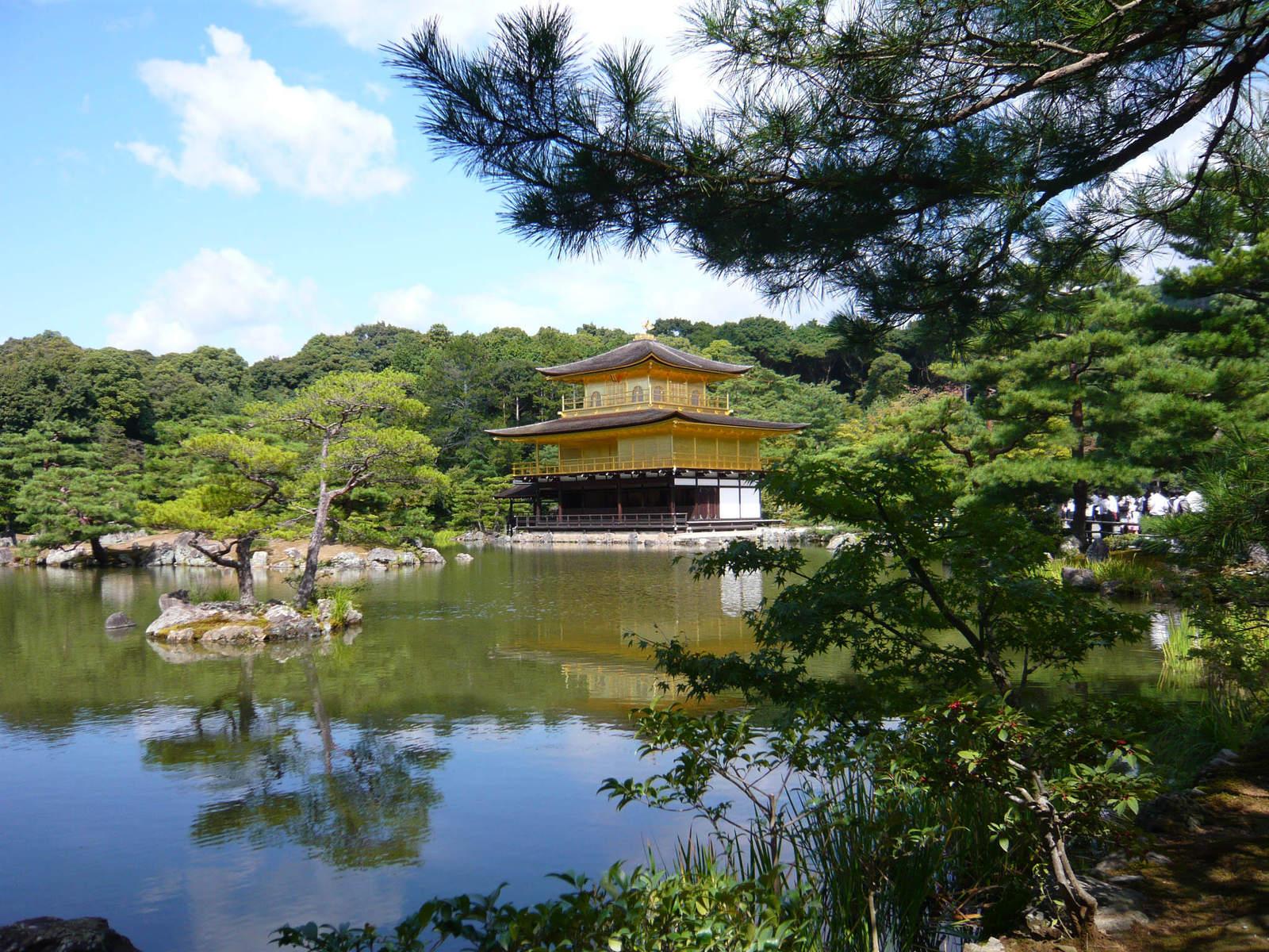 Kinkakuji_temple